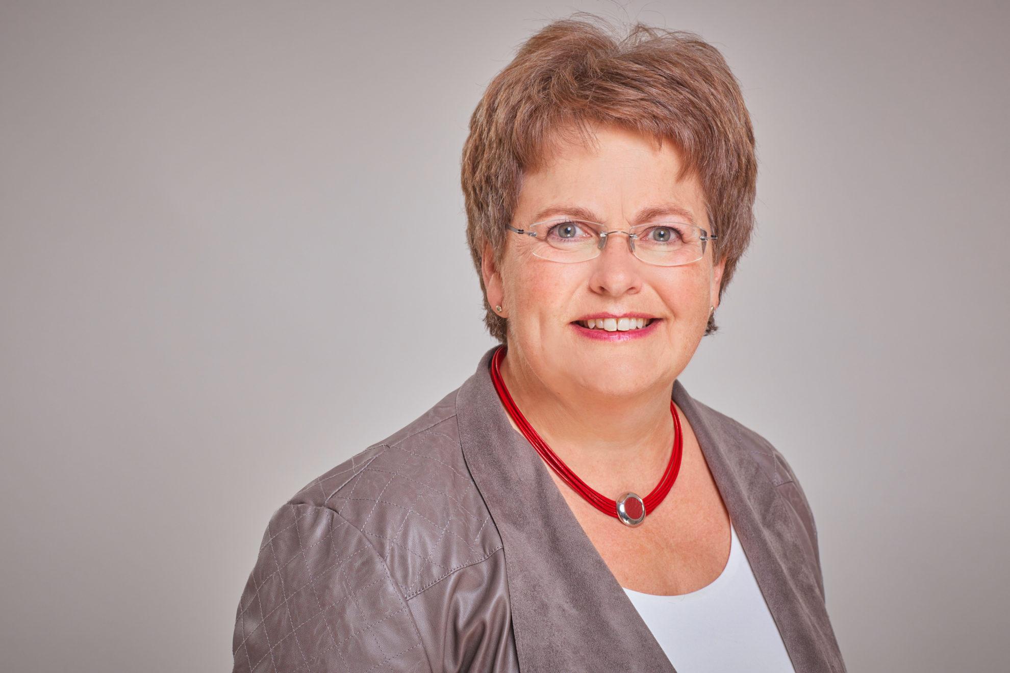 Sabine Knobel
